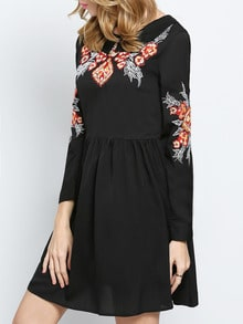 Black Long Sleeve Embroidered Pleated Dress