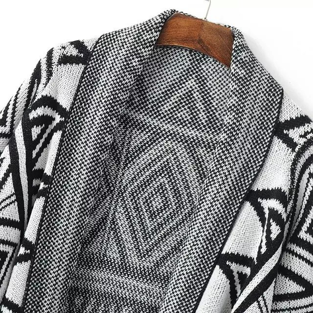 Black Grey Geometric Print Vintage Knit Cape -SheIn(Sheinside)