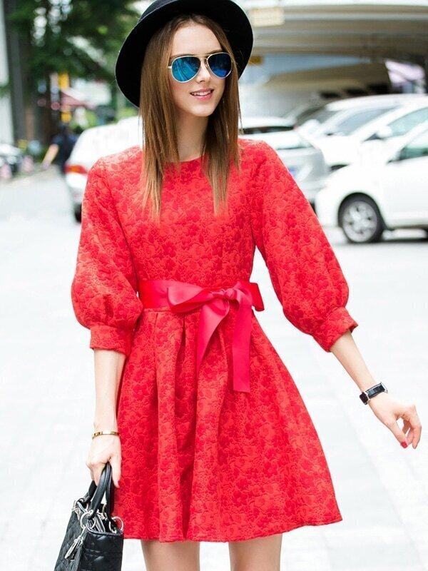 Red Round Neck Half Sleeve Tie-Waist Jacquard Dress
