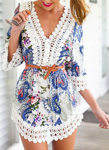 V Neck Contrast Lace Robe Paisley Print Dress