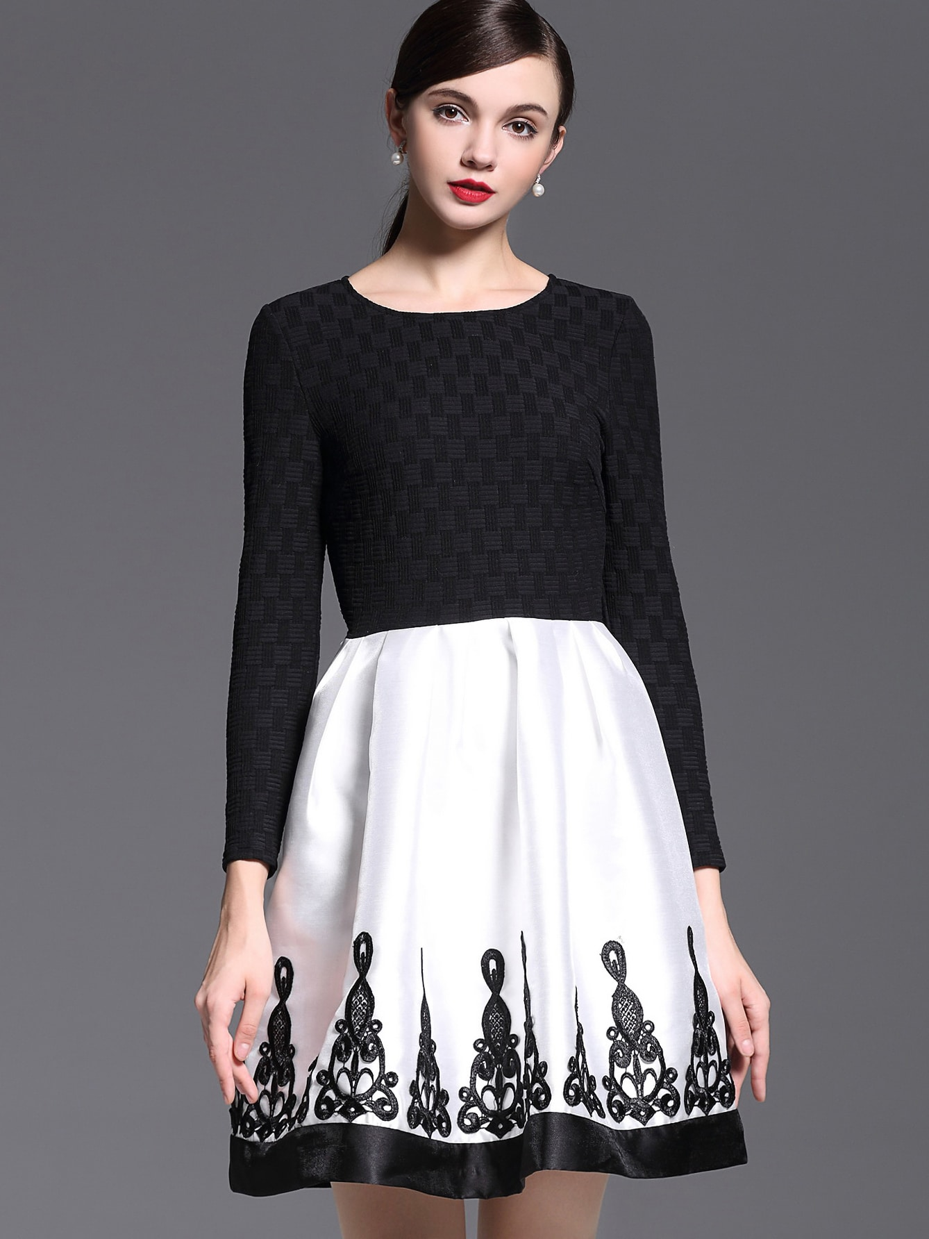 White Black Round Neck Long Sleeve Embroidered DressWhite Black Round Neck Long Sleeve Embroidered Dress<br><br>color: Multicolor<br>size: S