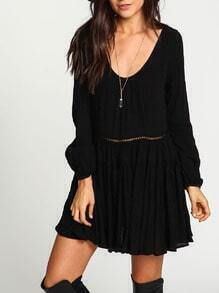 Black Scoop Neck Backless Pleated Dress
