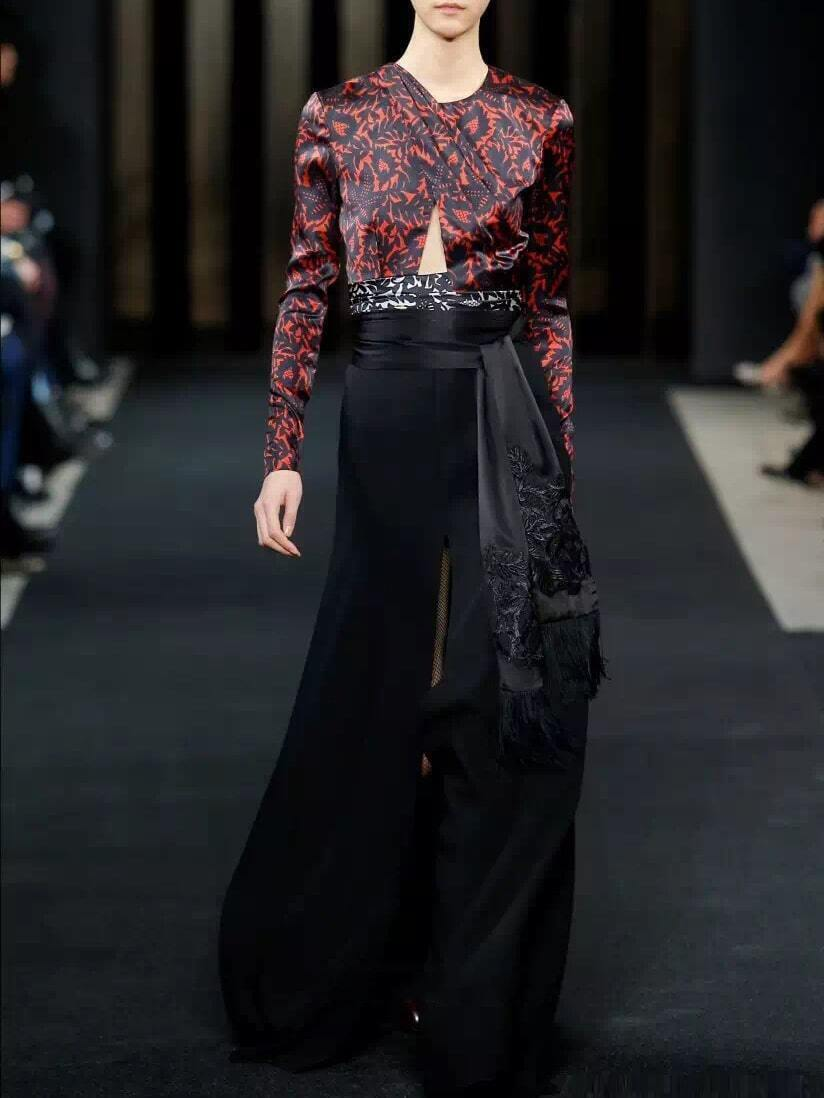 Black Round Neck Long Sleeve Tie-Waist Print Dress