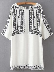 White Round Neck Embroidered Lace Up Dress