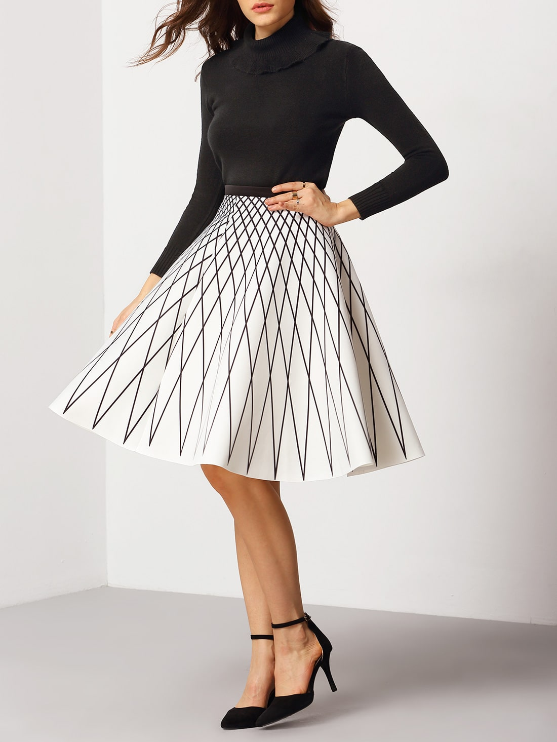 White High Waist Geometric Print Flare Skirt