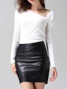 Suéter manga larga cuello asimétrico -blanco