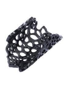 Black Openwork Flower Ring