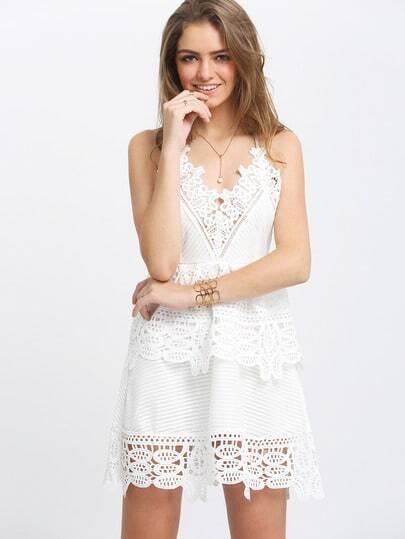 Белое кружевное модное платье с открытой спиной