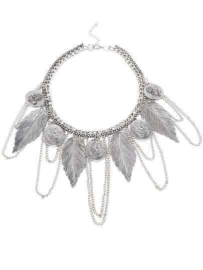 Стильное серебристое ожерелье в экзотическом стиле