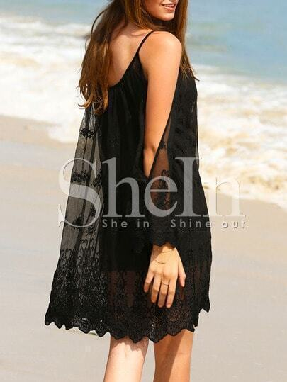 Vestido manga larga abertura crochet -negro