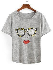 Sunglasses & Lip Print T-shirt