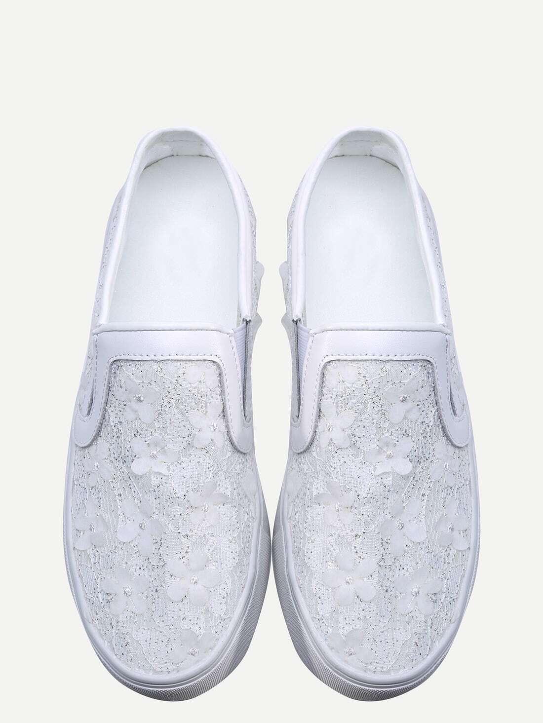 sneakers flach mit rubber sohlen und spitze oberteil wei. Black Bedroom Furniture Sets. Home Design Ideas