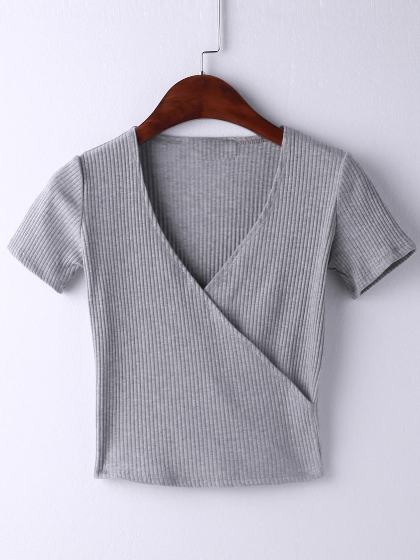 Grey Short Sleeve Cross V Neck T-shirtGrey Short Sleeve Cross V Neck T-shirt<br><br>color: Grey<br>size: M,S