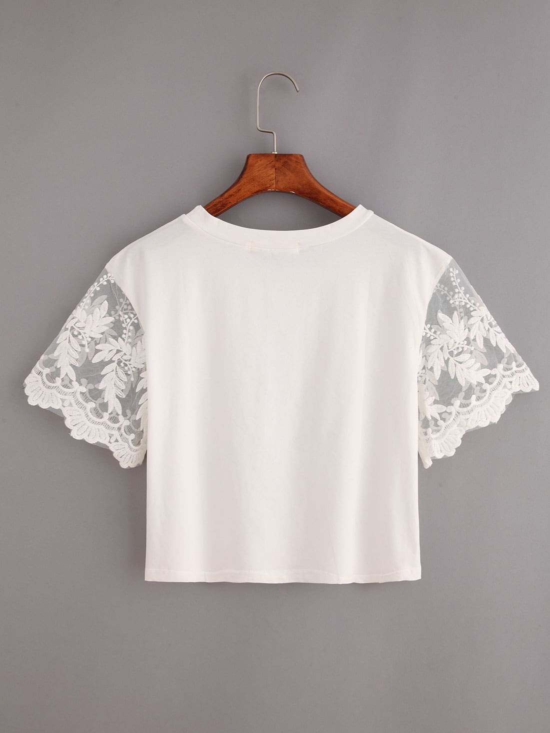 Embroidered mesh sleeve lion print crop t shirt white for Embroidered mesh t shirt
