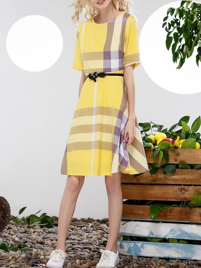 robe plaid manche courte avec ceinture jaune french. Black Bedroom Furniture Sets. Home Design Ideas