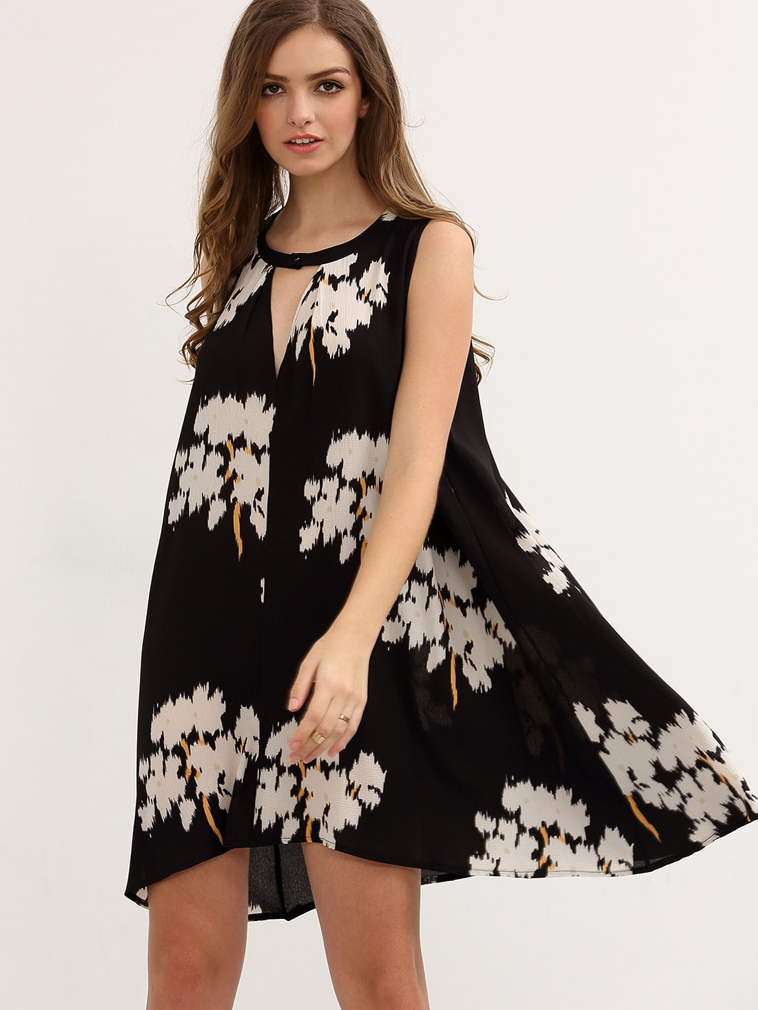 Black Sleeveless Floral Hollow Shift DressBlack Sleeveless Floral Hollow Shift Dress<br><br>color: Black<br>size: L