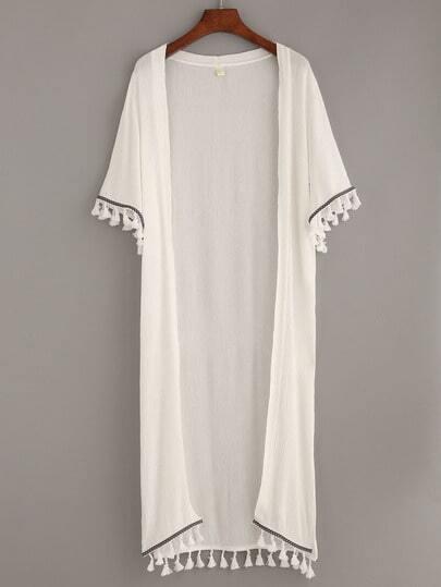 Белое длинное кимоно с бахромой