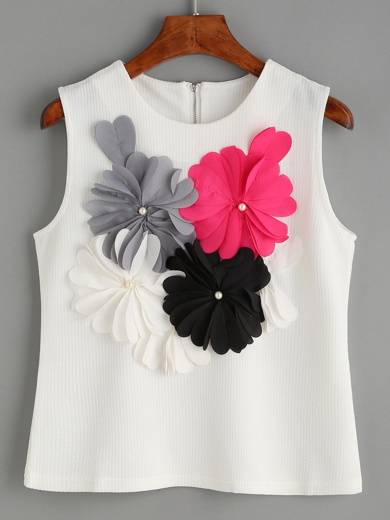 White Flower Applique Sleeveless Textured TopWhite Flower Applique Sleeveless Textured Top<br><br>color: White<br>size: L,M