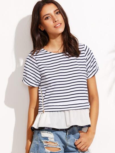 Модная полосатая футболка с воланами на молнии