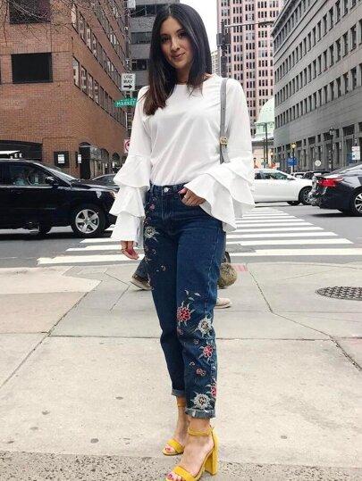 Blusa escote redondo volantes manga larga - blanco