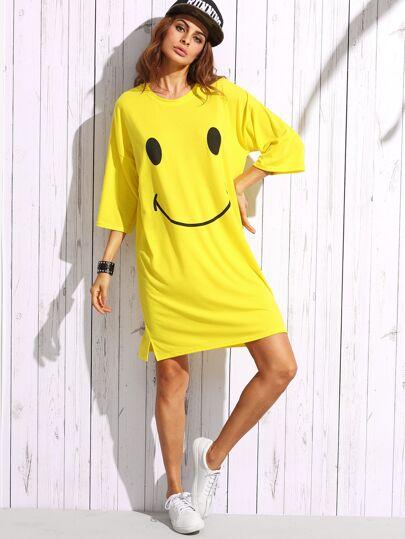 فستان أصفر على شكل تي شيرت طباعة وجه ضاحك كم طويل