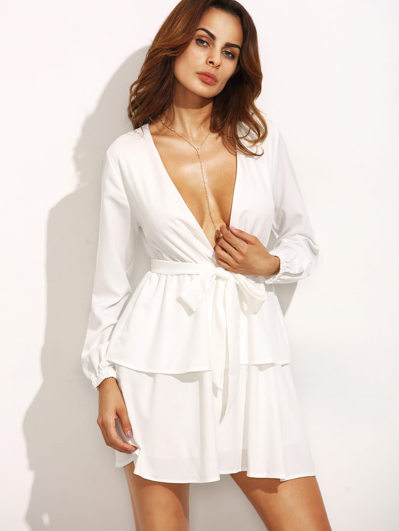 Фото Plunging V Neckline Self Tie Tiered Dress. Купить с доставкой