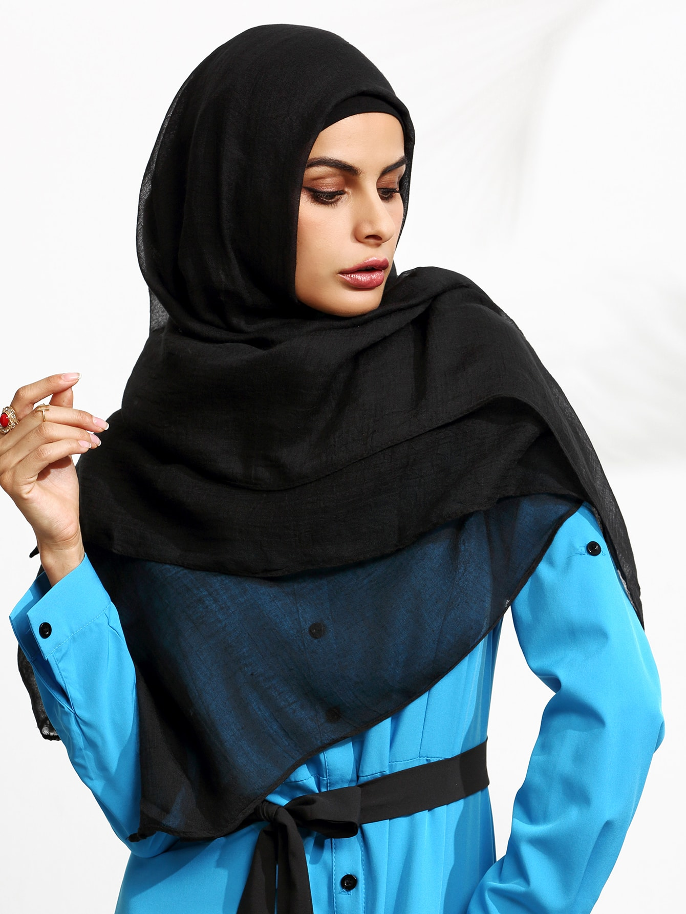 Black Sheer Hijab ScarfBlack Sheer Hijab Scarf<br><br>color: Black<br>size: None