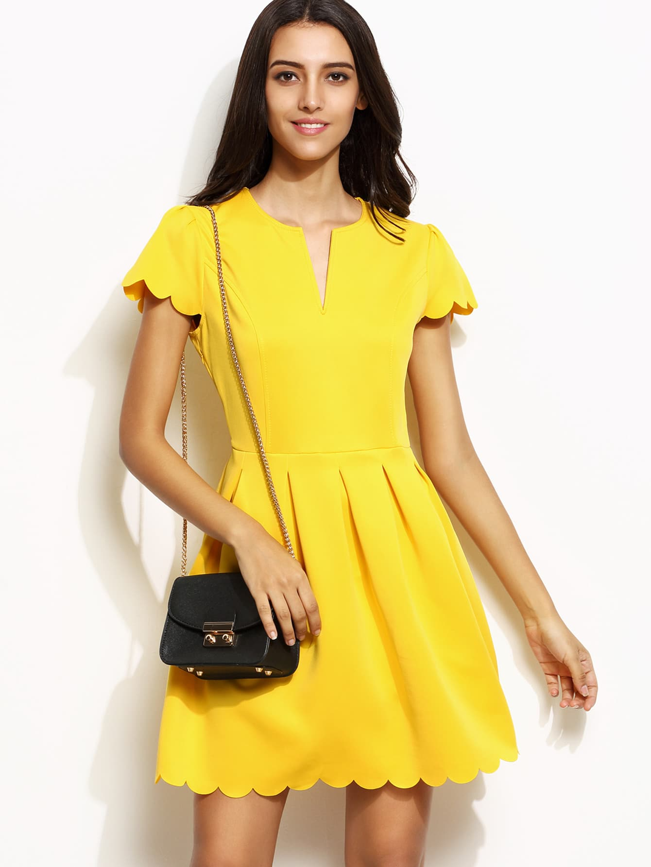 Yellow Scalloped Notch Neck A Line DressYellow Scalloped Notch Neck A Line Dress<br><br>color: Yellow<br>size: L,M,S