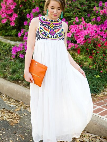 White Sleeveless Embroidery Argyle Triangle Pleated Chiffon Dress