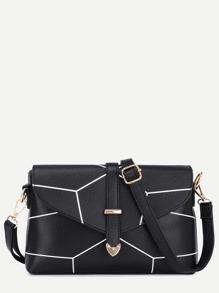 حقيبة سوداء بمشبك وطباعة