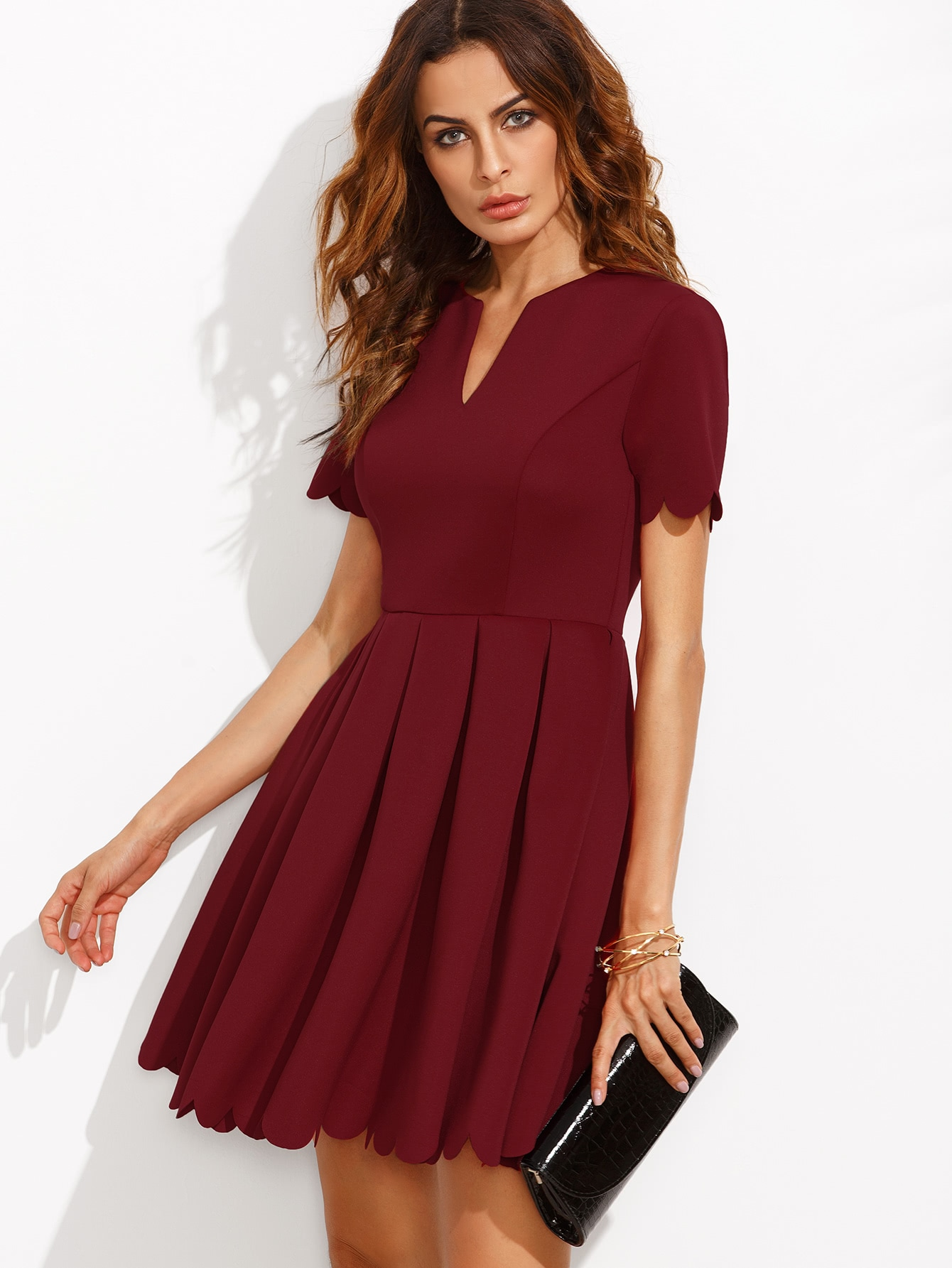 Фото V Cut Neck Scalloped Hem Fit And Flare Dress. Купить с доставкой