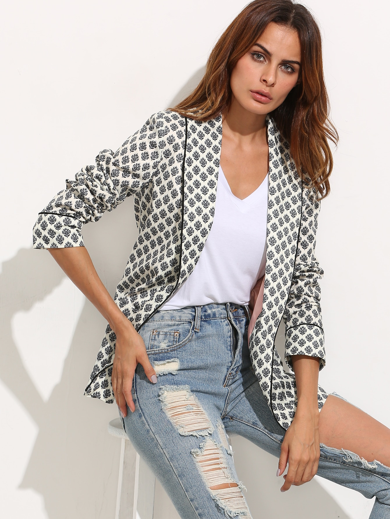 Black and White Lapel Long Sleeve Blazer