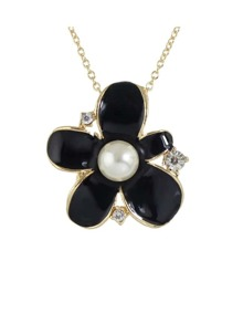 Black Pearl Flower Necklace
