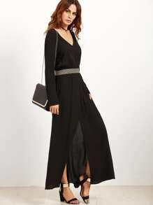 Vestido con cuello en V cintura elástica y abertura en la parte delantera - negro