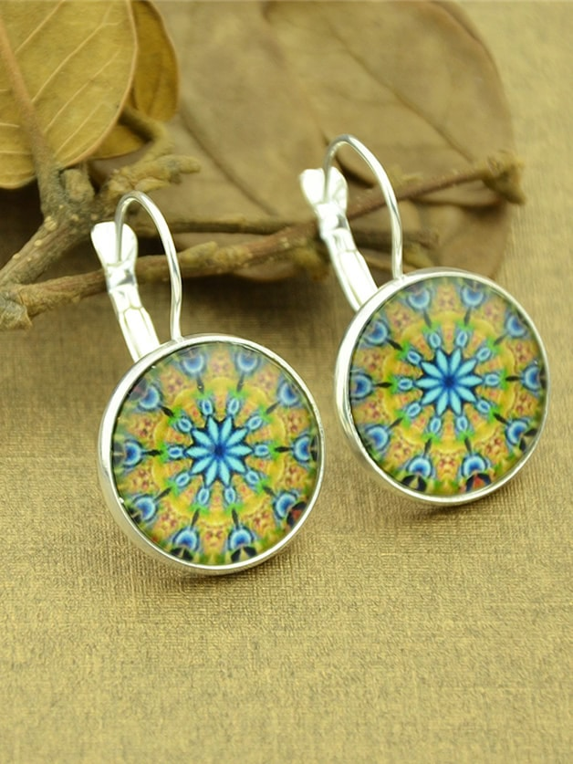Фото Silver Vintage Flower Pattern Plain Round Hoop Earrings. Купить с доставкой
