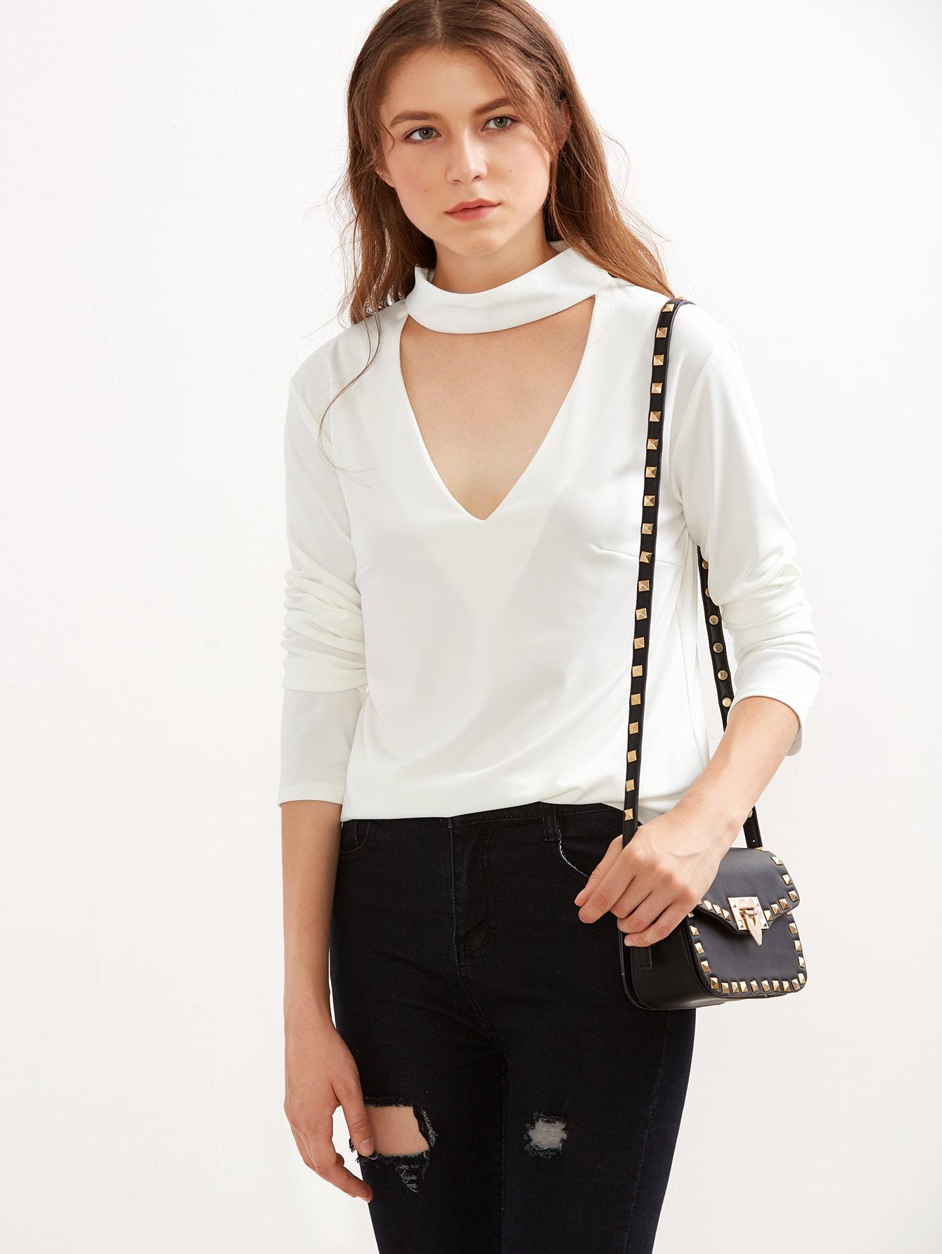 White Cutout Front T-shirtWhite Cutout Front T-shirt<br><br>color: White<br>size: L,M,S