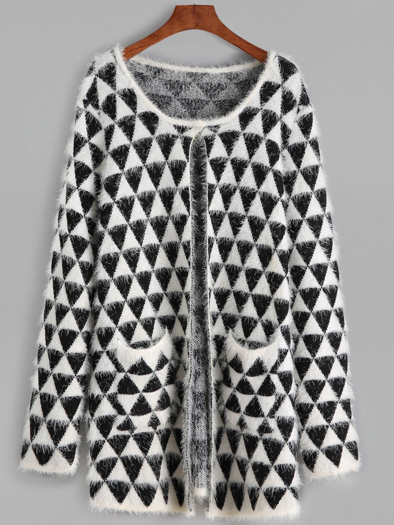 Black And White Geo Pattern Fluffy Sweater CoatBlack And White Geo Pattern Fluffy Sweater Coat<br><br>color: Black and White<br>size: one-size