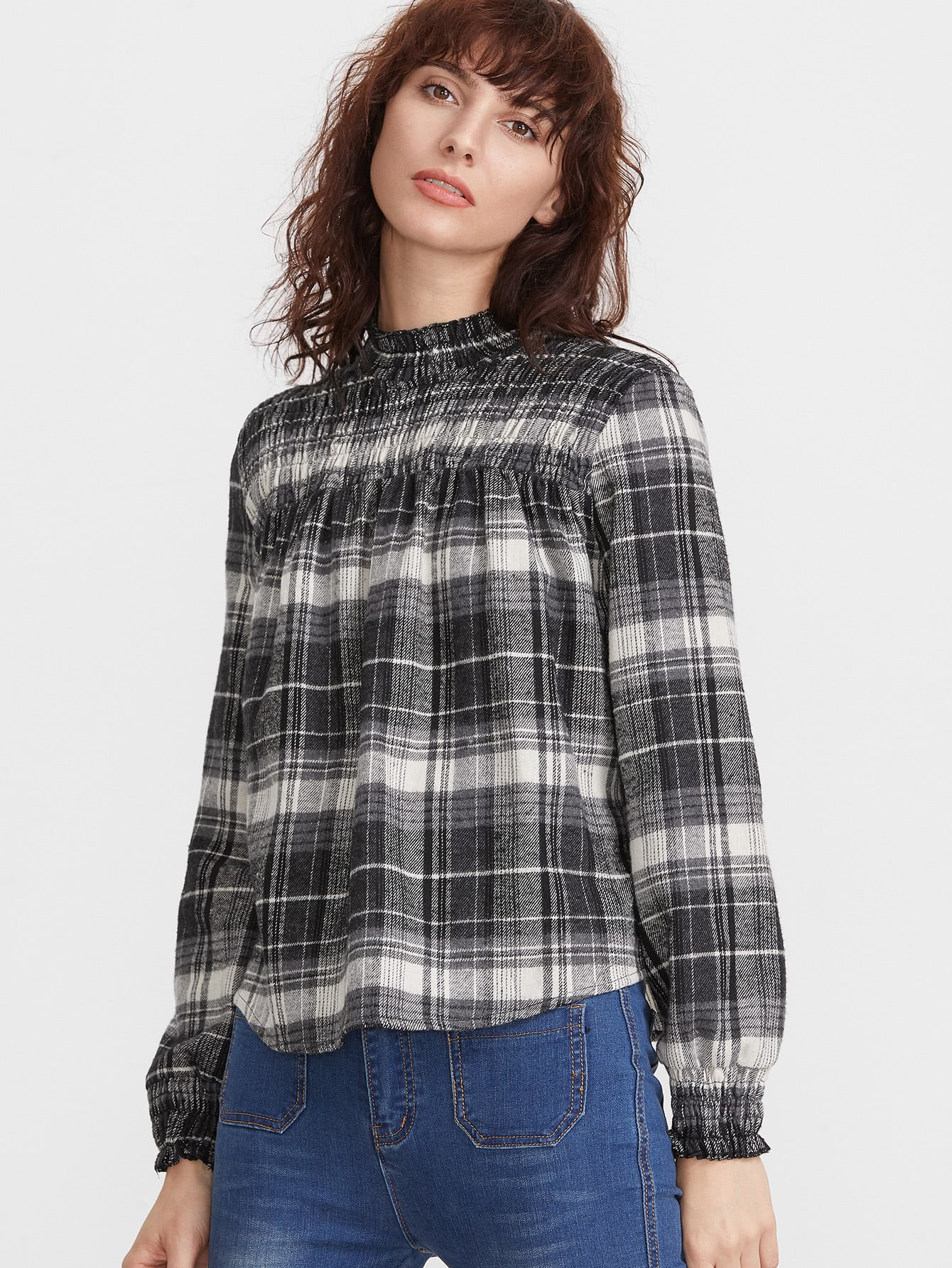 Фото Black And White Plaid Ruffle Neck Pleated Blouse. Купить с доставкой