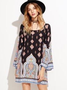 Vestido estilo túnica con estampado étnico - multicolor