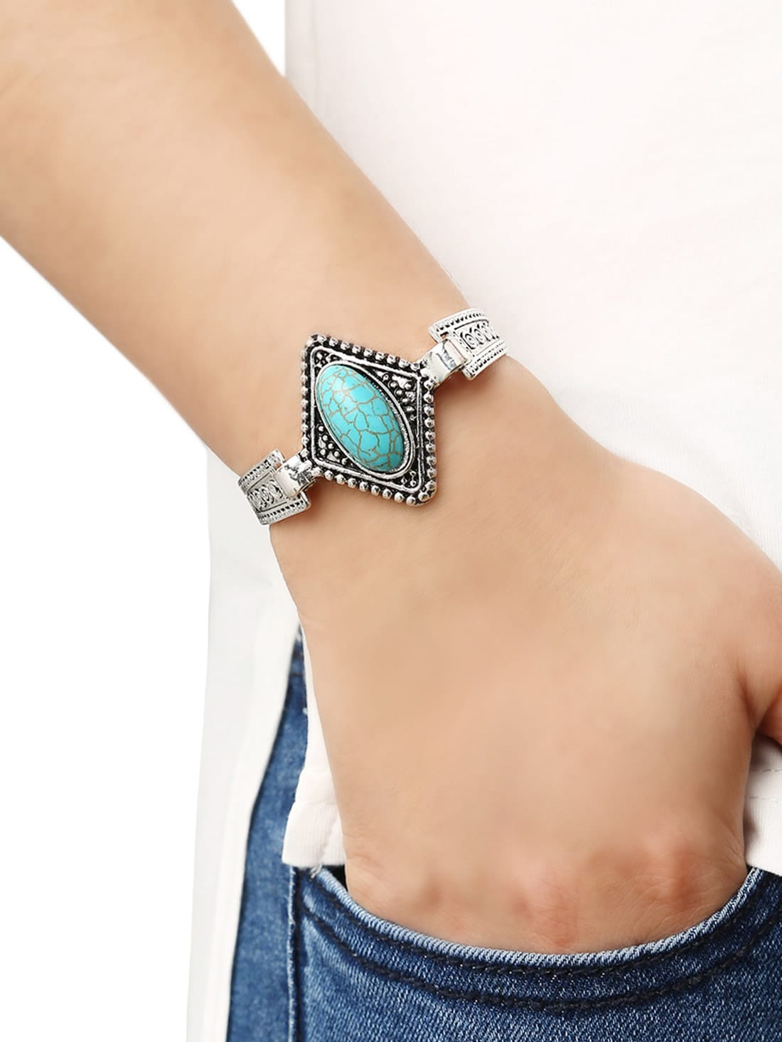 Купить со скидкой Oval Turquoise Set-in Carved Bracelet