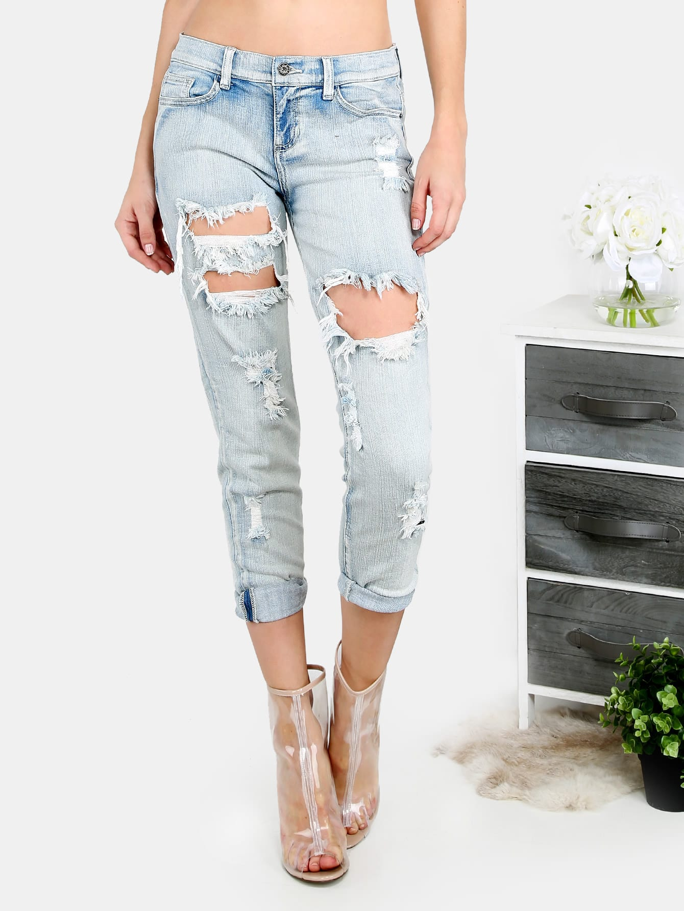 Light Blue Pocket Cutout Ripped JeansLight Blue Pocket Cutout Ripped Jeans<br><br>color: Blue<br>size: M,XS