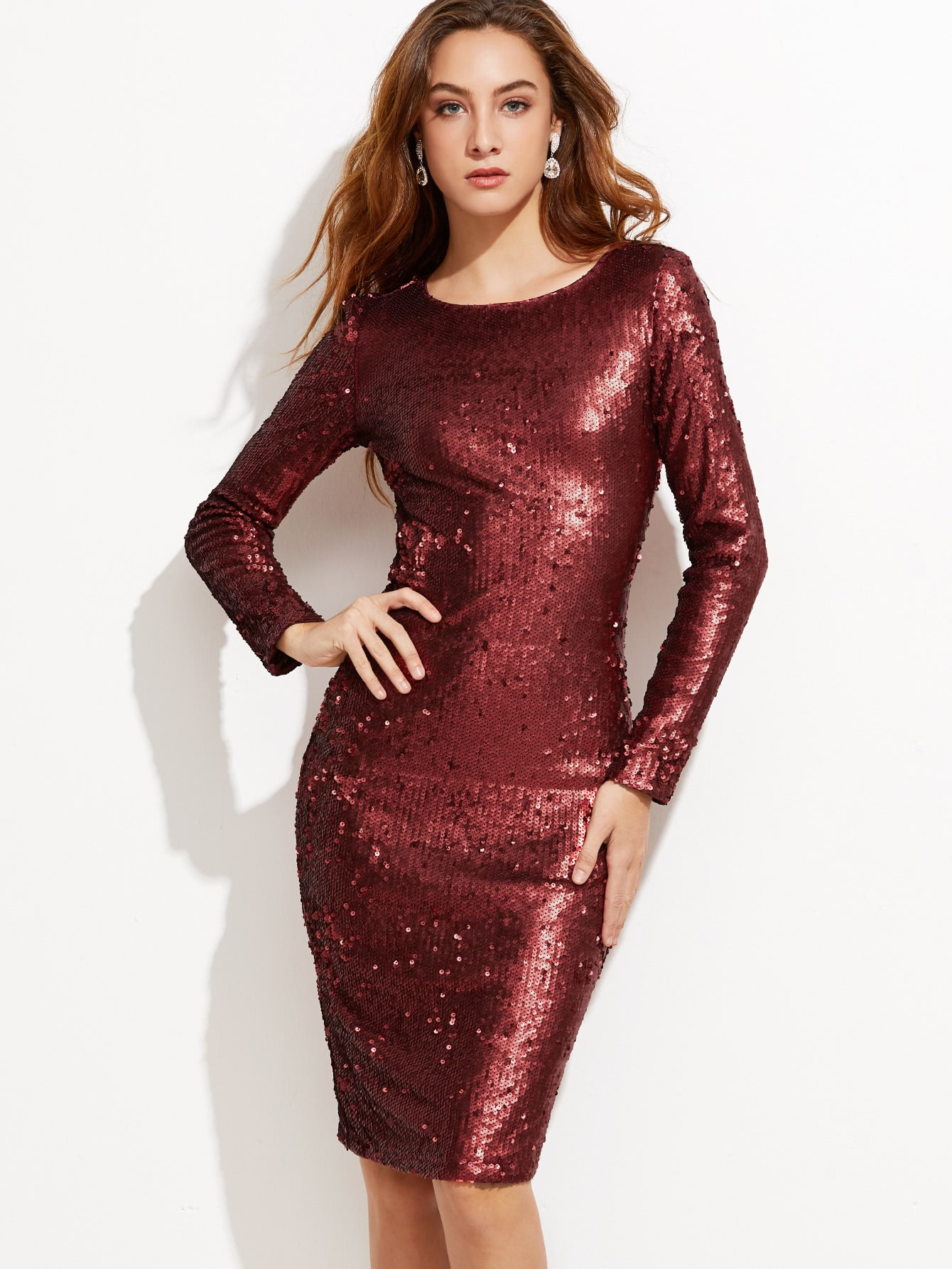 Платье футляр блестящее