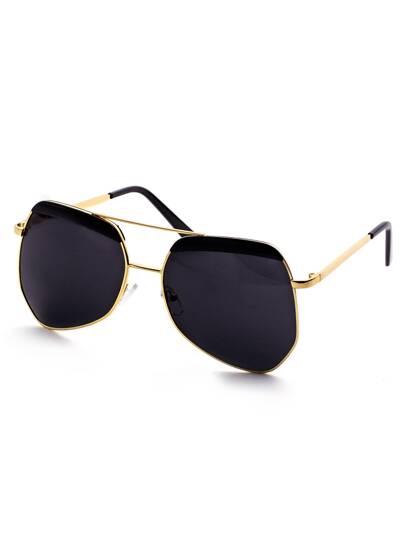 Gafas de sol con marco dorado y lentes negro