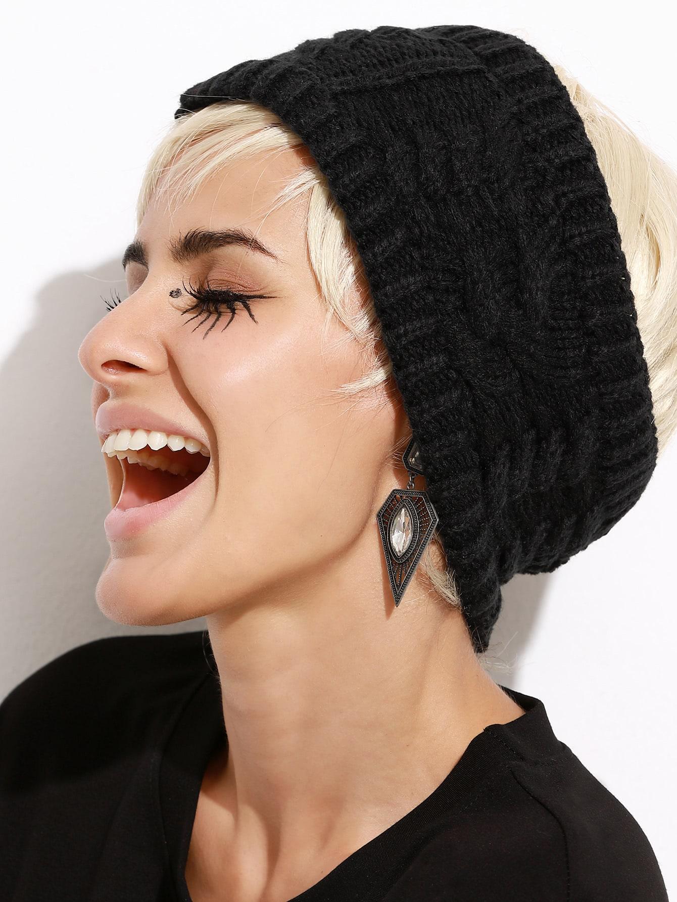 Black Cable Knit Open Top HatBlack Cable Knit Open Top Hat<br><br>color: Black<br>size: one-size