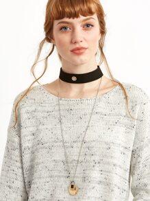 Collier ras-de-cou large avec pendentif géométrique - noir