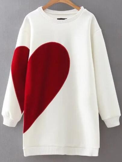 فستان نمط كنزة صوفية بيضاء نمط قلب
