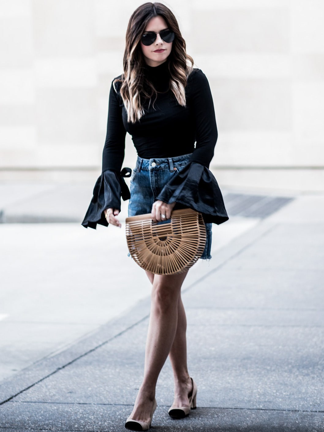 Black Bell Sleeve Slim T-ShirtBlack Bell Sleeve Slim T-Shirt<br><br>color: Black<br>size: L,M,S,XS