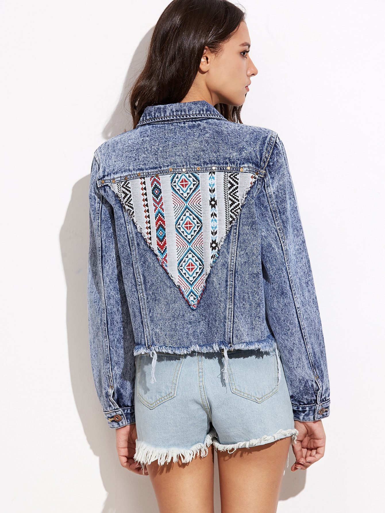 Blue Embroidered Tribal Patch Bleach Wash Frayed Denim JacketBlue Embroidered Tribal Patch Bleach Wash Frayed Denim Jacket<br><br>color: Blue<br>size: L,M,S