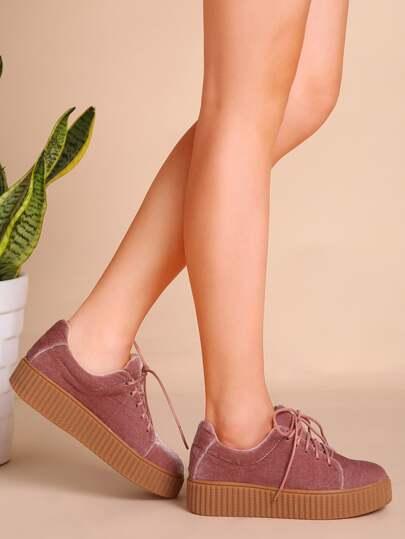 Chaussures à semelle caoutchouc en velvet avec lacet - rose