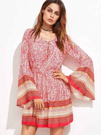 модное платье с племенным принтом рукав клёшом
